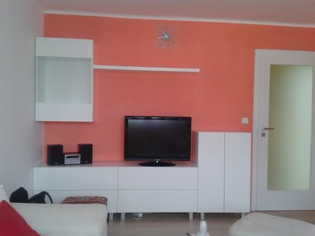 Nová obývací stěna a nová malba