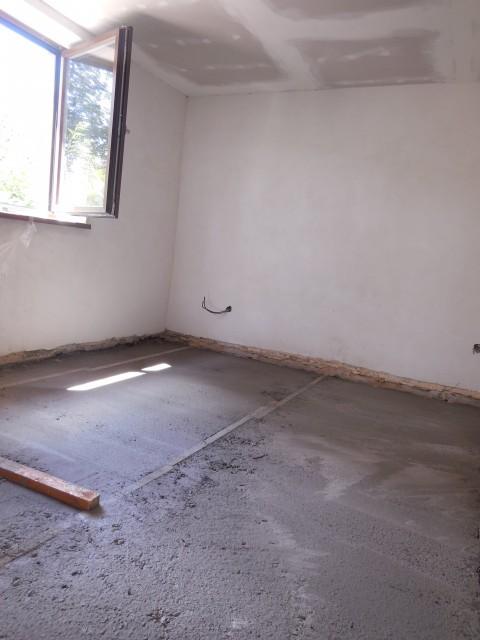 Foto č. 2: Vybetonování a vyrovnání podkladové plochy
