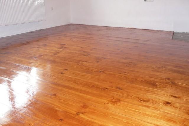 Rekonstrukce podlahy - podlaha po nanesení tvrdého voskového oleje