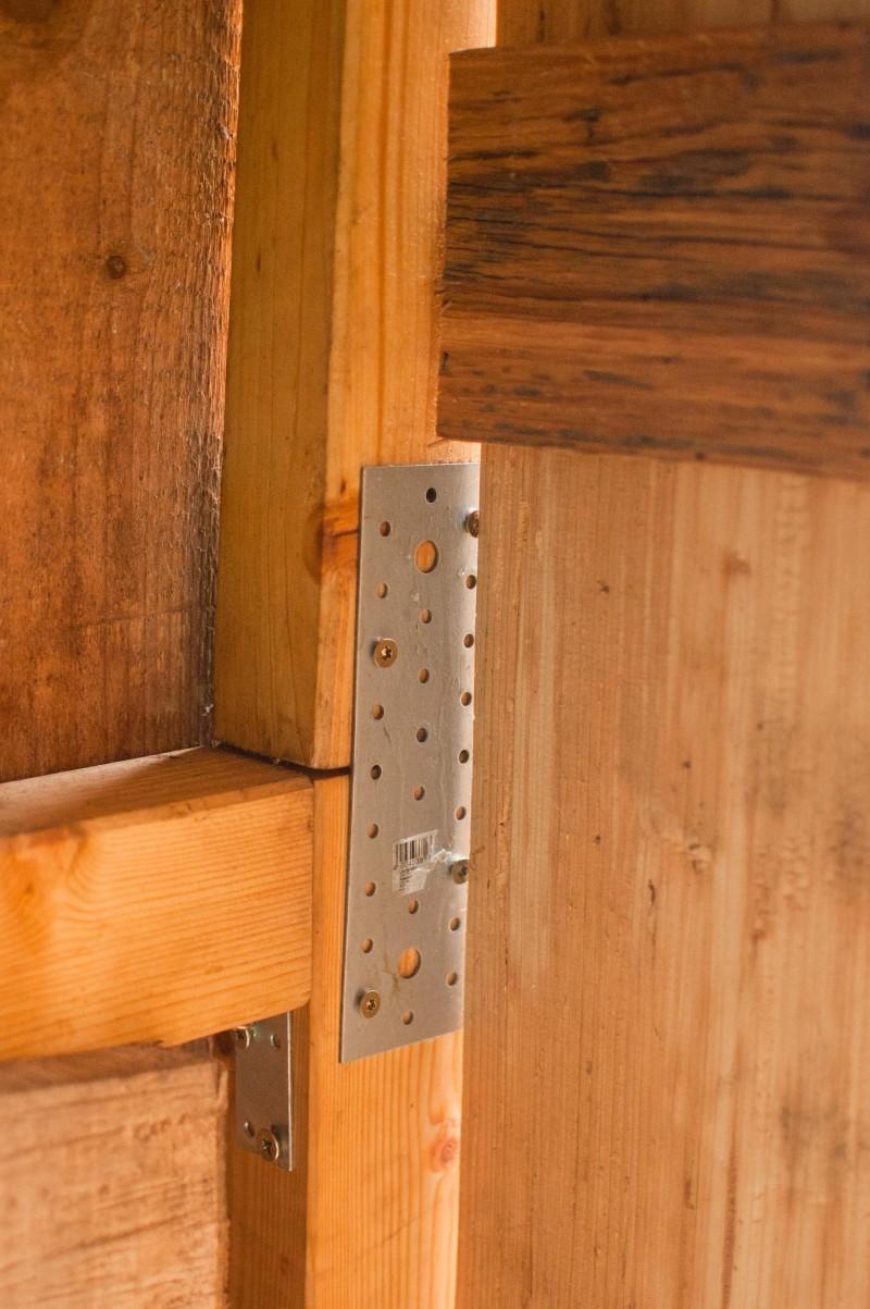 Detail napojení dřevěných prvků verandy
