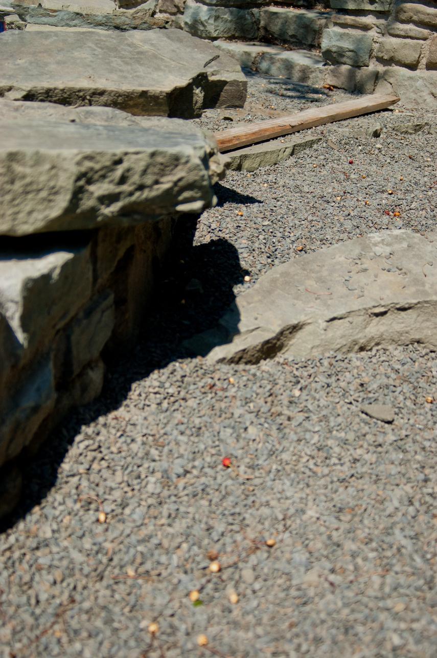 Kladení kamenné dlažby do štěrkového lože