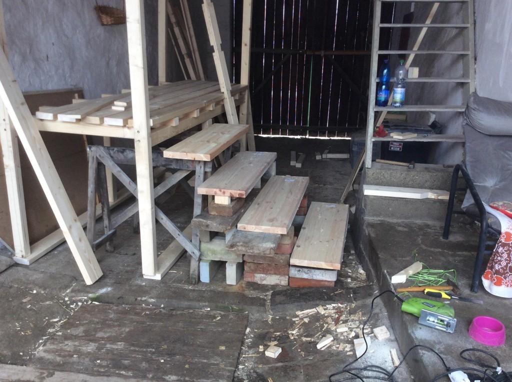 Skládání jednotlivých prvků dřevěné konstrukce