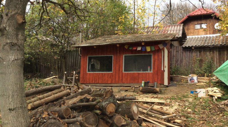 Pohled na hotovou dřevostavbu malé dílny