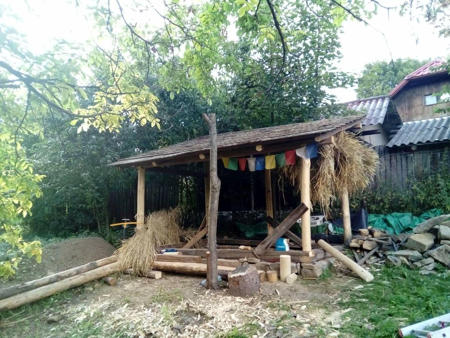 Průběh výstavby dřevěné konstrukce dílny