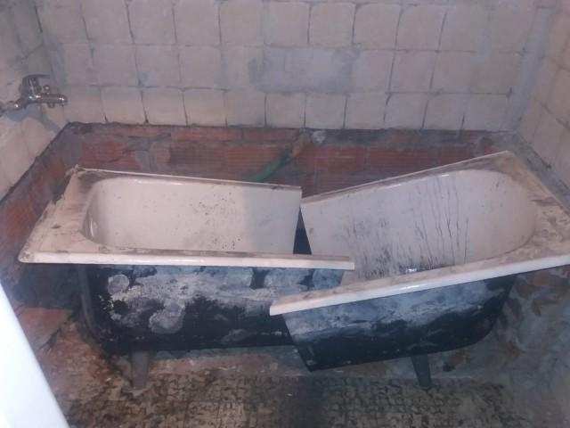 Likvidace staré litinové vany